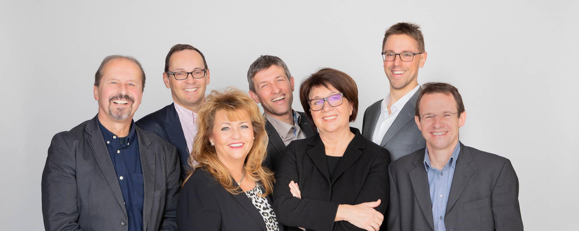 Gruppenbilder der MetaShift Teammitglieder